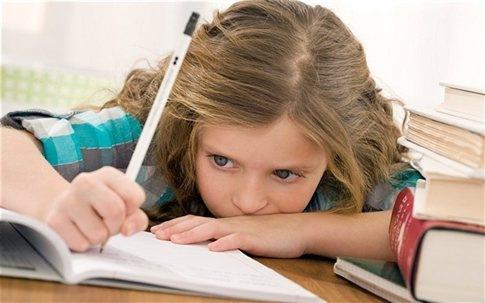 Πώς μπορεί μία μαμά να βοηθηθεί ένα παιδί με διάσπαση προσοχής στην ανάγνωση;
