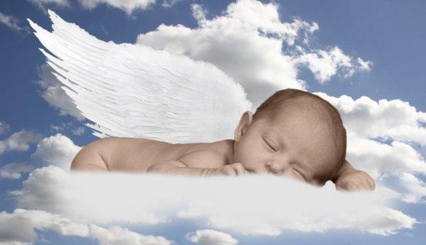 """""""Ο γίγαντας"""" μας 13 μηνών έγινε Άγγελος. Άλλωστε τέτοια οντότητα δεν χωρούσε στη γη"""