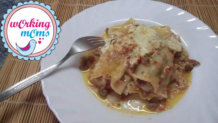 Κανελόνια με κιμά και σάλτσα τυριού