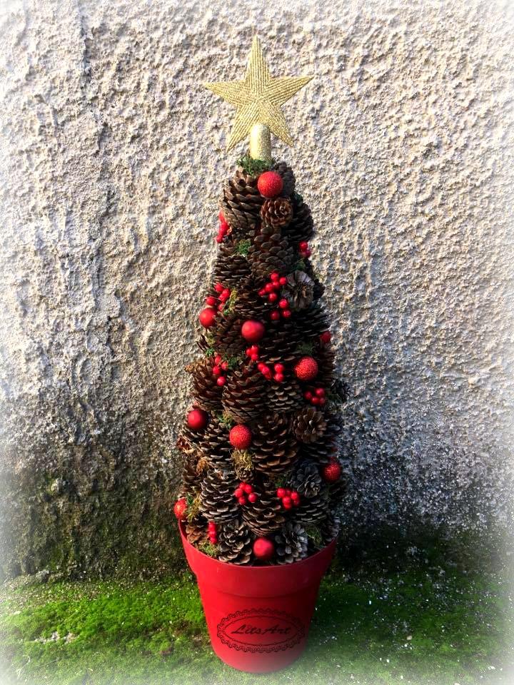 Φτιάξτε μόνοι σας Χριστουγεννιάτικο δέντρο από κουκουνάρια
