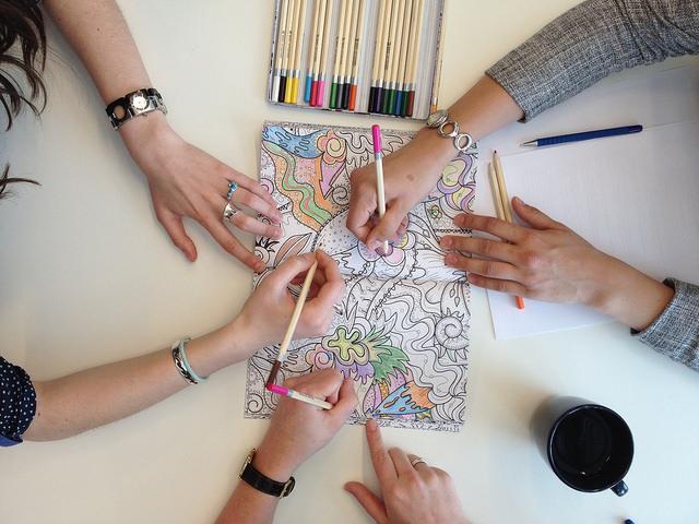 8 λόγοι για να αρχίσεις να χρωματίζεις