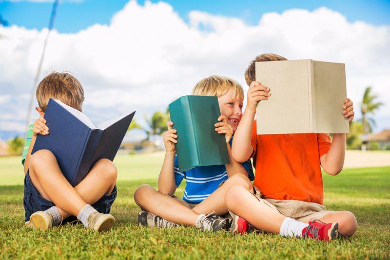Βιβλία για να διαβάσουν τα παιδιά στον ελεύθερο τους χρόνο το καλοκαίρι