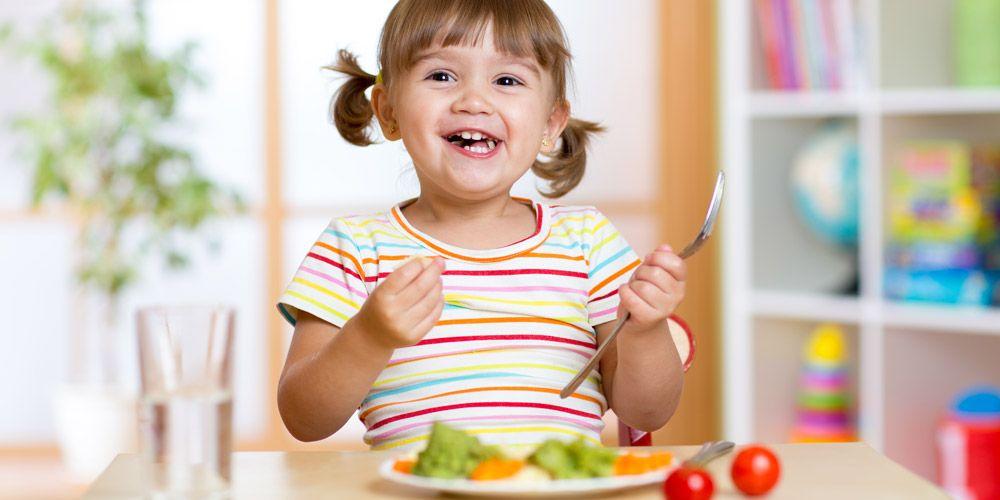 Έξυπνα κόλπα για να τρώει το παιδί μας σωστά και υγιεινά