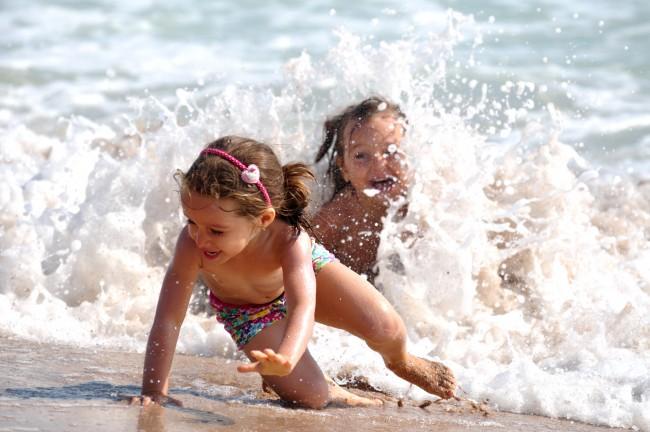 Τι κάνουμε όταν το παιδί φοβάται τη θάλασσα;