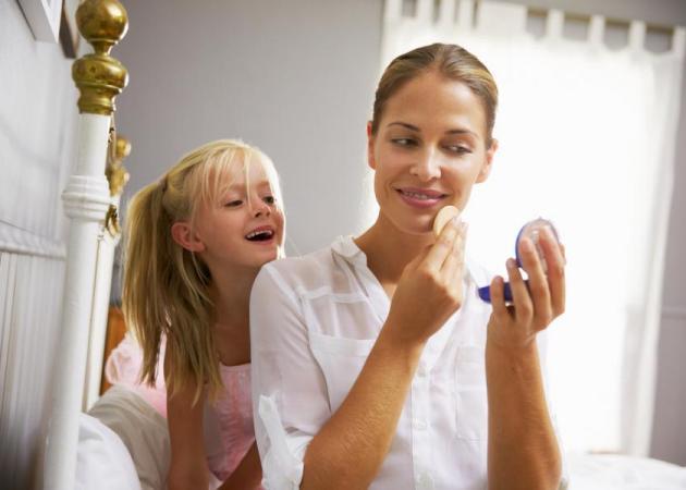 Το 5 λεπτο μακιγιάζ της μαμάς για να αισθάνεται πάντα όμορφη