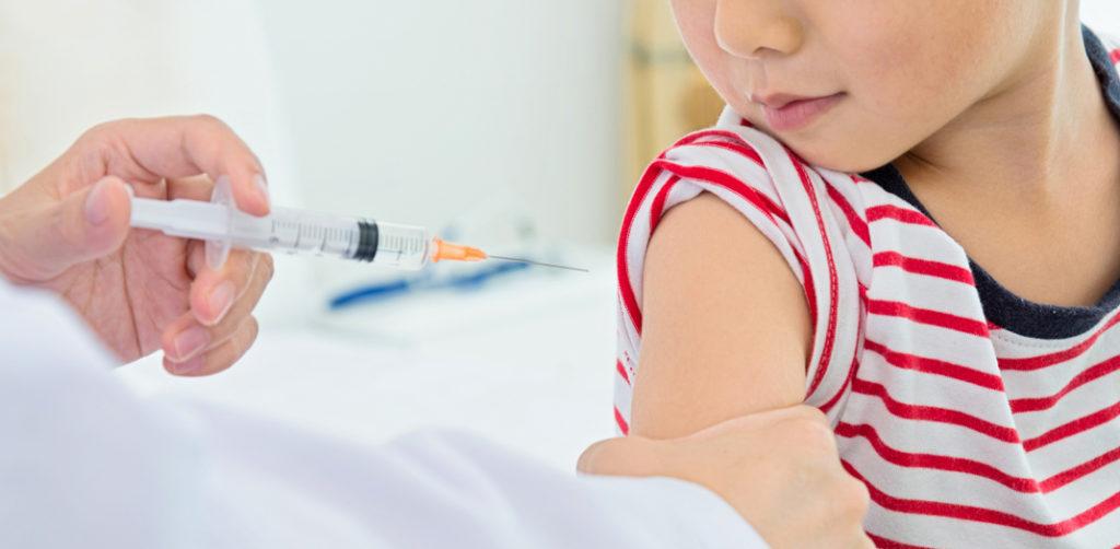 Ο μη εμβολιασμός εκθέτει σε κίνδυνο όχι μόνο το δικό μας παιδί αλλά και άλλους