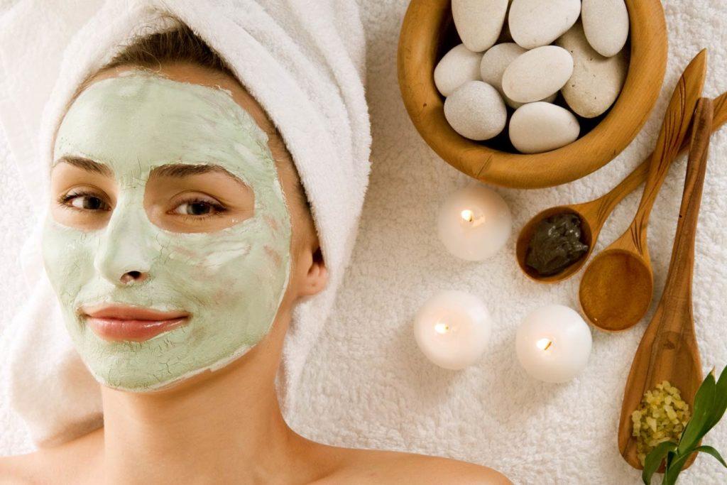 Γιατί πρέπει να κάνετε τουλάχιστον μία φορά τη βδομάδα μάσκα ομορφιάς;