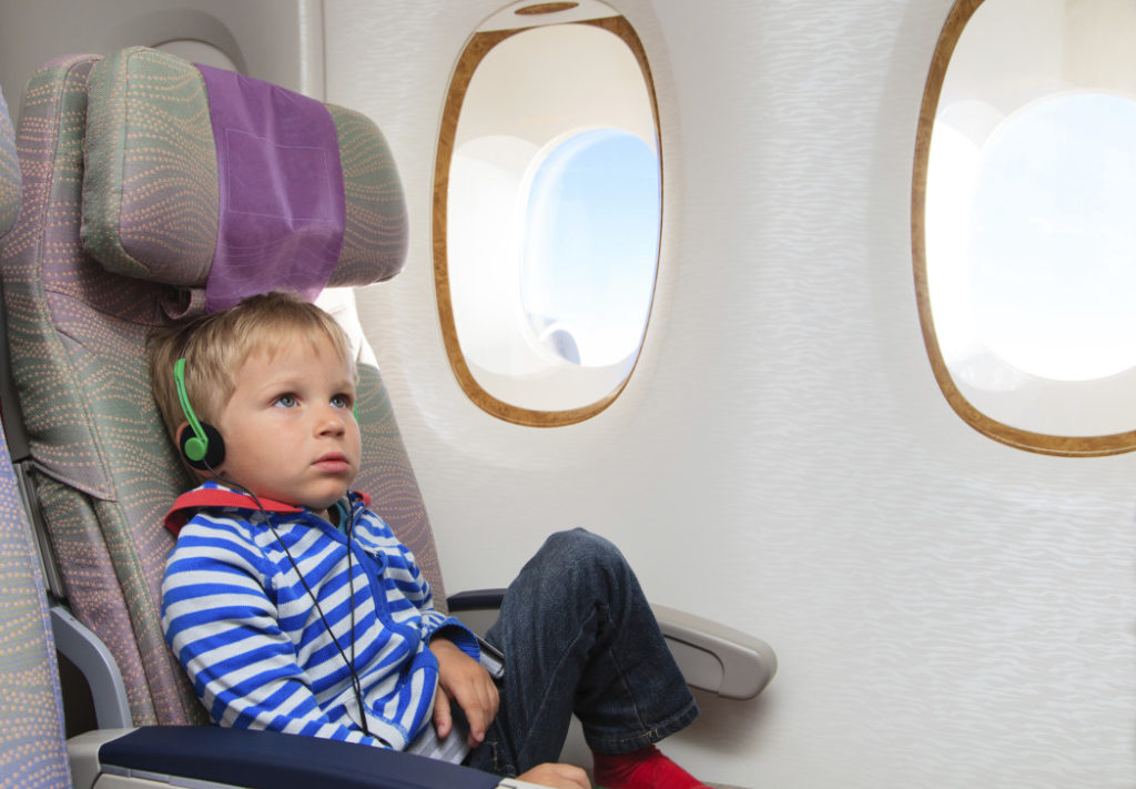 Πώς θα κάνουμε το ταξίδι αεροπορικώς με το νήπιο μας πιο εύκολο;