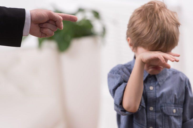 Το παιδί μου το μαθαίνω με παράδειγμα, δεν το φοβίζω με τιμωρία
