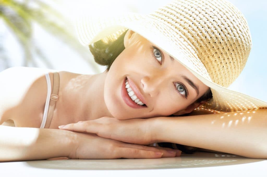 Γιατί τα χείλη καίγονται εύκολα από τον ήλιο, ποιά είναι τα συμπτώματα και πως μπορώ να τα θεραπεύσω;