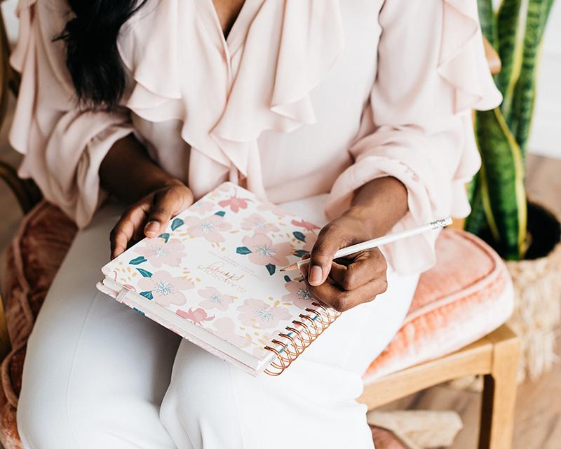 6 tips που με βοηθούν να είμαι χαρούμενη κάθε εβδομάδα