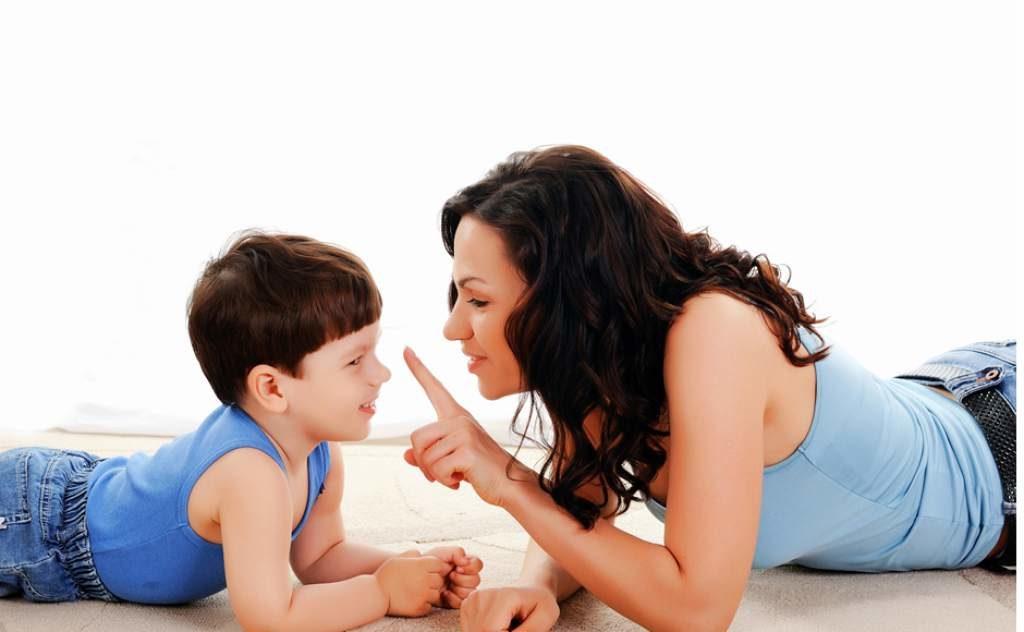 Πώς θα μεγαλώσουμε το παιδί μας με πειθαρχία χωρίς ξύλο και φωνές;