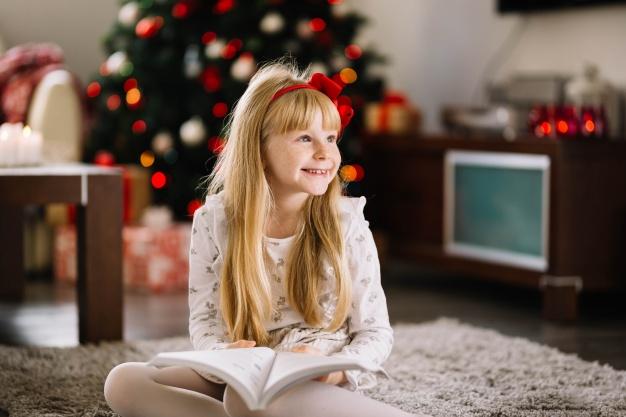 Τα Χριστούγεννα αγόρασε, χάρισε ένα βιβλίο και μοιράσου την αγάπη!