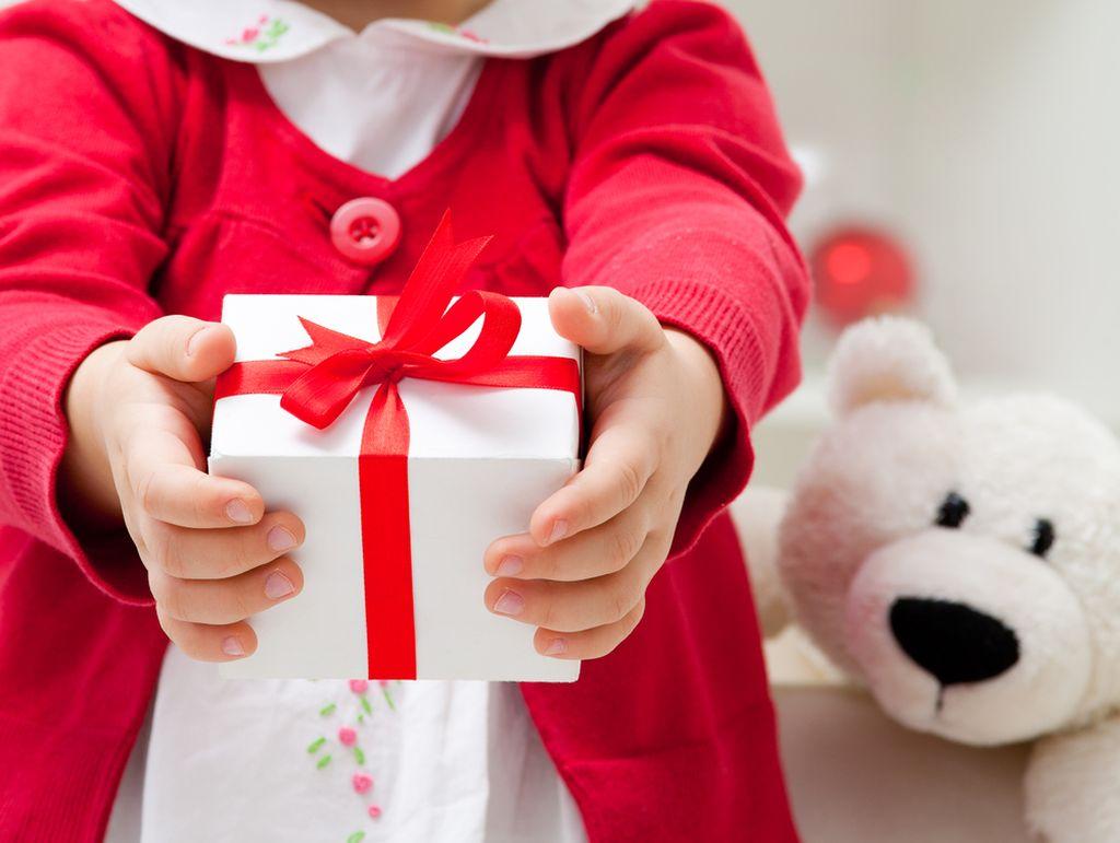 Τα Χριστούγεννα μαθαίνουμε στα παιδιά μας ότι όλα όσα έχουμε και απολαμβάνουμε, δεν τα έχουν όλοι