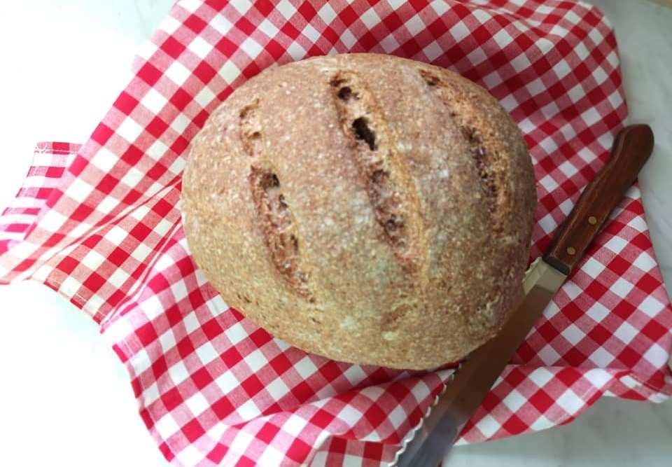Σπιτικό χωριάτικο ψωμάκι